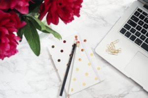 Free-June-Desktop-Wallpapers-Beauty-and-the-chic desktop wallpapers